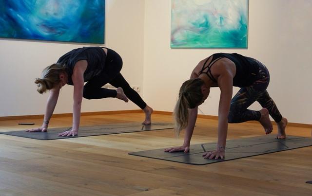 Yoga im Biljana-Art